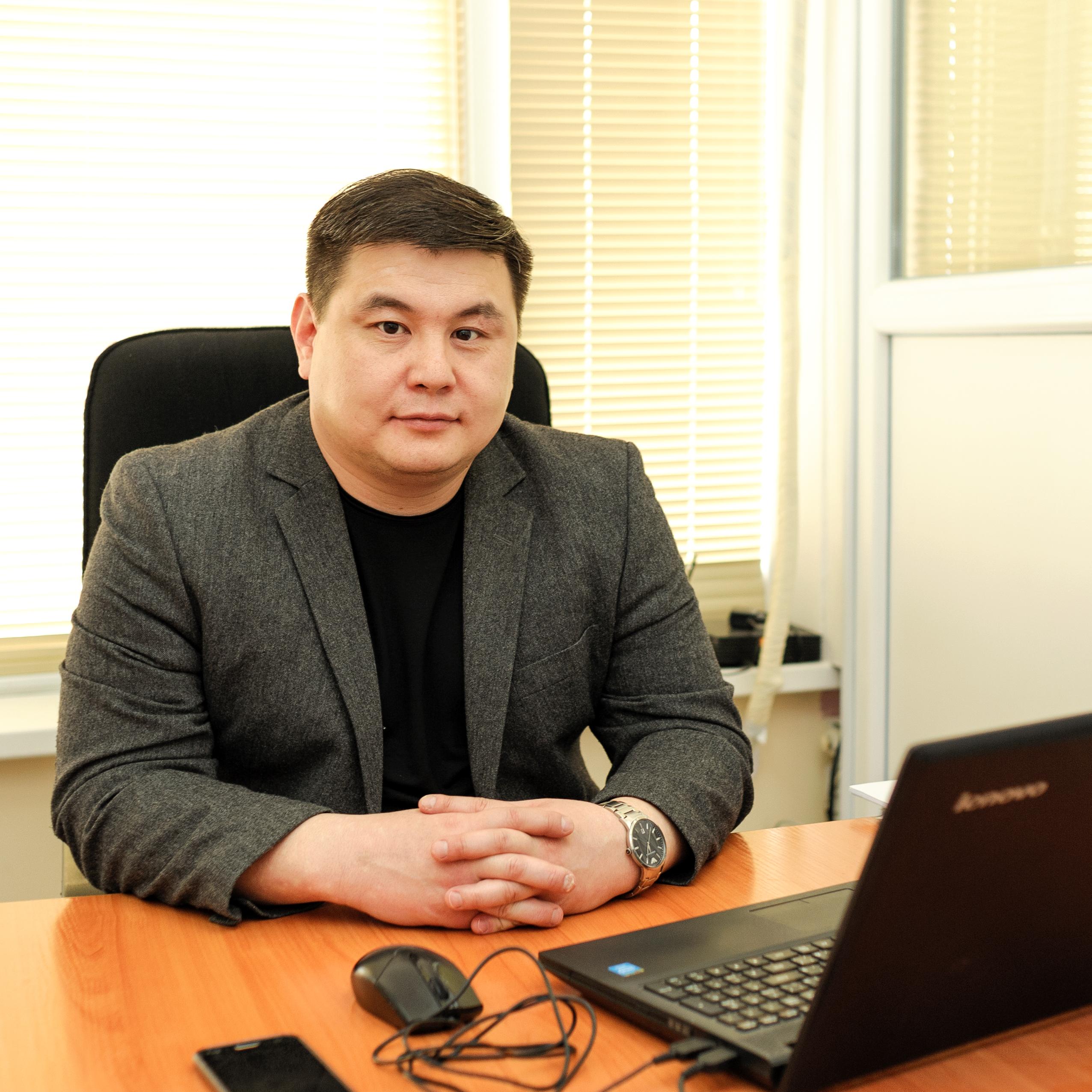 Кусаинов Ерлан Ахметжанович - Юрист